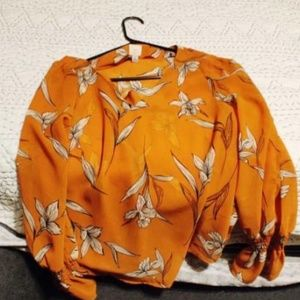 Target floral yellow gold blouse NWOT Size Small